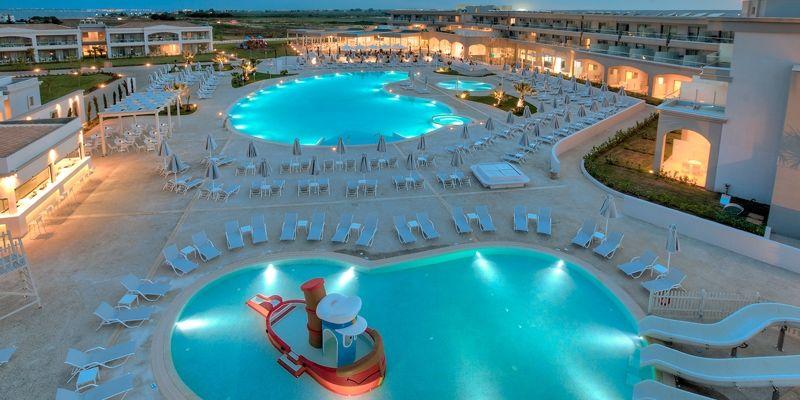 Hidroizolarea betoanelor cu expunere la apa sarata -Hotel Blue Lagoon Princess