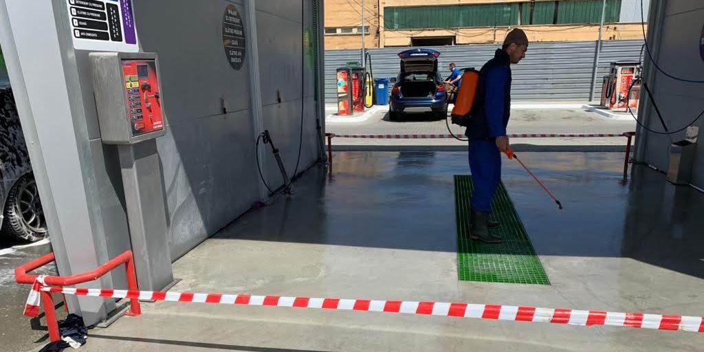 Aplicare sigiliu beton Peneseal Pro 1